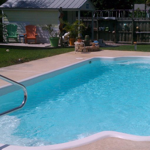 Fiberglass Pool Restoration with AquaGuard 5000 Epoxy Pool Paint