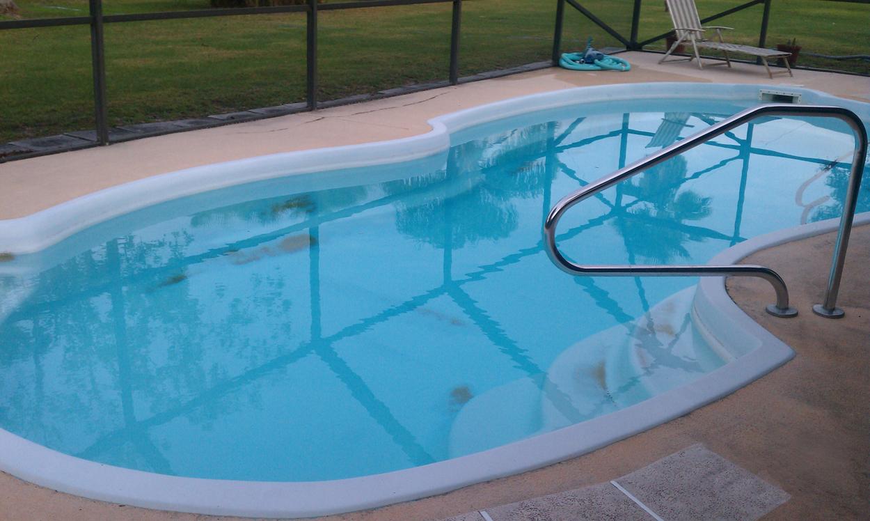 Fiberglass Pool Resurfacing with AquaGuard 5000 Pool Paint